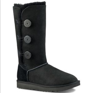 UGG Bailey 3 Button Suede Boots 9